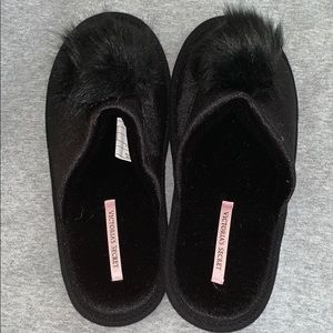 Victoria's Secret Black Fur Slipper Size M NEW
